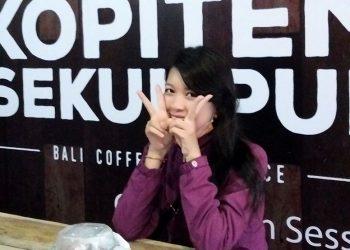 Foto: Iluh Wanda/ Model: Merry Yunithasari/ Lokasi: The House of Kopitem Sekumpul-Singaraja