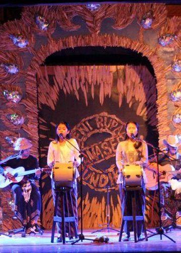 Konser Indonesia Menyanyikan Puisi oleh Kelompok Badai di Atas Kepalanya di Kampus FBS Undiksha/ Foto-foto: FB/Yoga Permana