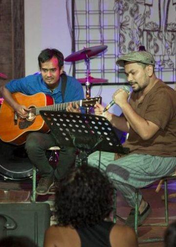Tompi on stage Festival Tepi Sawah/ Foto: Rudi Waisnawa