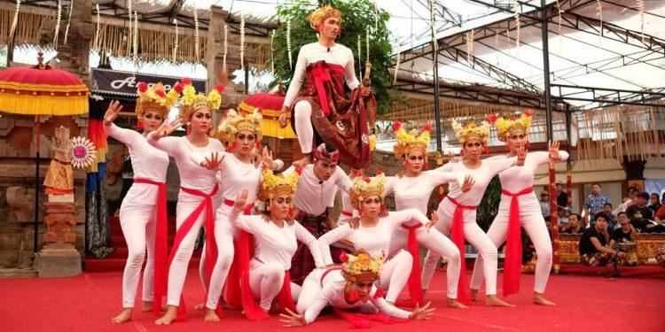 Pementasan Jayaprana Layonsari oleh Komunitas Mahima di Pesta Kesenian Bali, Taman Budaya Denpasar, 21 Juli 2017./ Foto-foto: Dea Chessa LS
