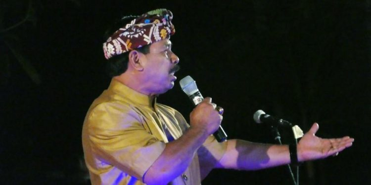 Ketut Rochineng saat pentas pada ajang Bali Mandara Mahalango di Taman Budaya Denpasar