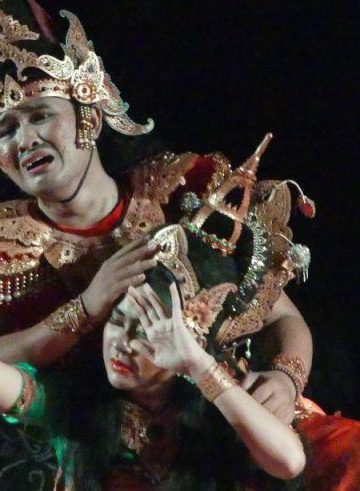 Pementasan operet Teater Orok dan UKM Kesenian Unud di Taman Budaya Denpasar