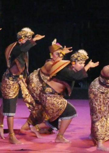 Sendratari IHDN Denpasar di Taman Budaya Denpasar