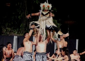 Salah satu pementasan seni kecak pelajar di acara Bali Mandara Nawanatya 2017