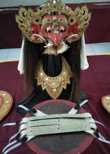 Pameran tugas akhir Bahasa Bali  siswa SMK PariwisataPutra Bangsa, Ubud.