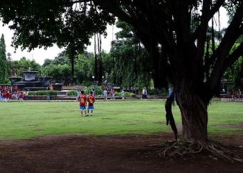 Taman Kota Singaraja (Foto: Mursal Buyung)