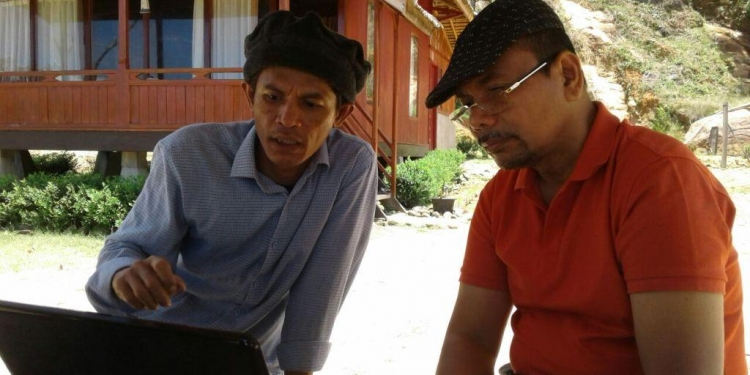 Saya (penulis) dan Andrinof Chaniago