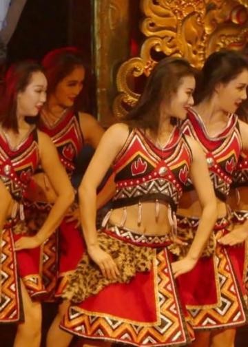 Tari, Musik dan lagu, partisipasi Konsulat Republik Rakyat Tiongkok (RRT). Gedung Ksirarnawa, Taman Budaya Bali - Senin, 17 Juni 2019, 19.30 wita.(Foto Widnyana Sudibya)