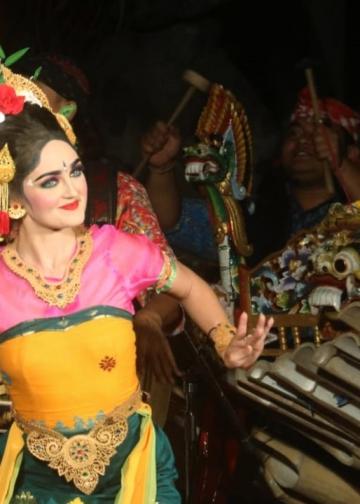 penari dari Jegog Suar Agung, Jembrana. (Foto: Widnyana Sudibya/Foto hanya ilustrasi)