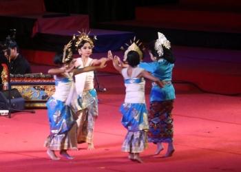Parade Lagu Daerah Bali di PKB 2019 -- Duta Kabupaten BUleleng (Foto-foto Widnyana Sudibya)