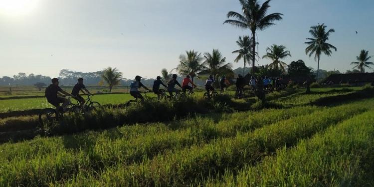 """""""Ntud Nduk Fun Bike"""", Jelajah Jalan Mesra Subak dan Pedesaan di Tabanan"""
