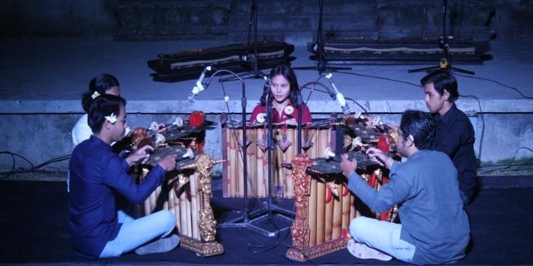 Komposisi Perspektif karya Komang Wulandari (Foto Bentara Budaya Bali)