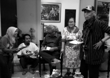 Di rumah Frans Nadjira dan istri bersama Umbu Landu Paranggi