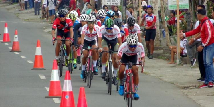 Balap sepeda Porprov Bali 2019 di Desa Apuan, Baturiti, Tabanan. (Foto: dok penulis)