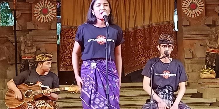 Pentas Musikalisasi Puisi Komunitas Mahima di Festival Seni Bali Jani, 28 Oktober 2019