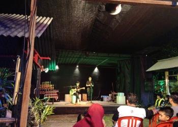 Salah satu penampilan musikalisasi puisi di ajang Festival Seni Pelajar Jembrana 2019