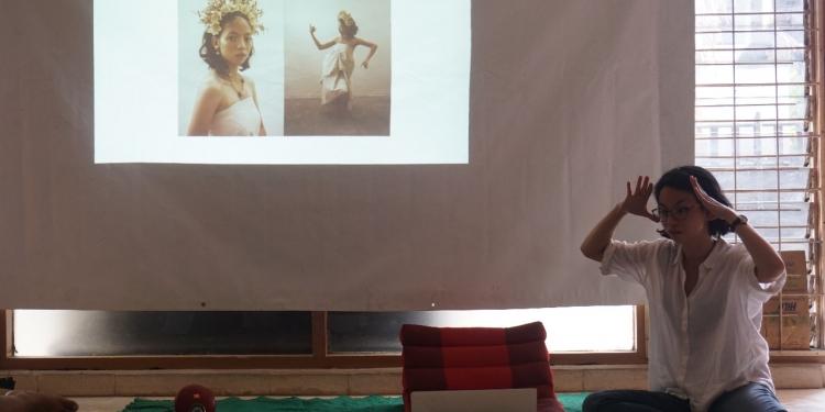 Tabu.Project penerima Hibah Seni Kelola 2019 mempresentasikan garapan kolaboratif mereka pada Diskusi dan Lokakarya Parade Teater Canasta 2019.