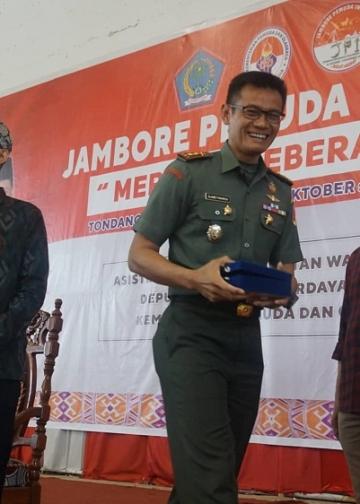 Seminar itu salah satunya menghadirkan Letkol Infantri Slamet Raharjo, Komandan Kodim 1302 Minahasa.