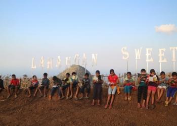 Kegiatan literasi di Lahangan Sweet, Gulinten, Karangasem, Bali