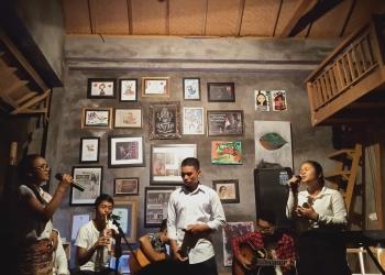 Musikalisasi Puisi anak-anak Dari Utara, SMAN 1 Sukasada di acara Senang-senang Akhir Tahun Komunitas Mahima