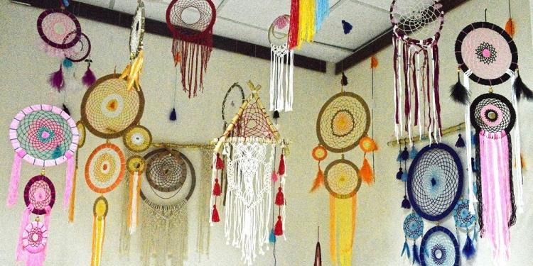 Salah satu karya dalam pameran seni rupa di Undiksha Singaraja [Foto: Mursal Buyung]
