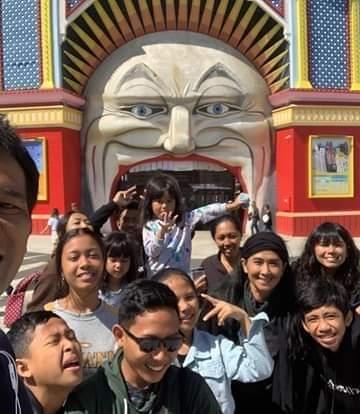 Berpose bersama tim Bumi Bajra sebelum pulang ke Bali