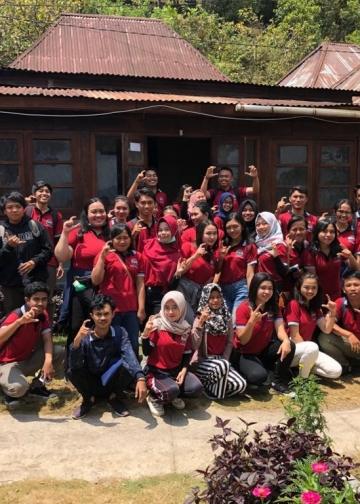 Kegiatan penelitian lapangan  Mata Kuliah Manajemen Pariwisata Program Studi Pendidikan Sejarah Undiksha di Desa Sidatapa, Banjar, Buleleng, Bali