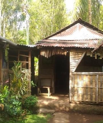 Rumahku yang alami {Foto Made Swisen]