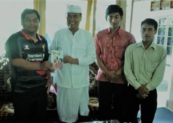 Kami bertiga ketika audensi dengan Bupati Bangli tentang Komunitas Bangli Sastra Komala