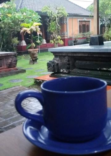 Aroma Melati dari Secangkir Teh  di Puri Loji / Ngurah Windara