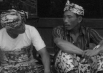 Komunikasi dengan basa Nosa, Cermin Sikap Egaliter Orang NP. Sumber foto: nadivrad.blogdpot.com