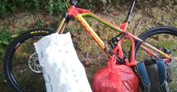 Sepeda gunung milik Amie Priyono yang digunakan untuk mengangkut sampah. (Foto: Amie Priyono)