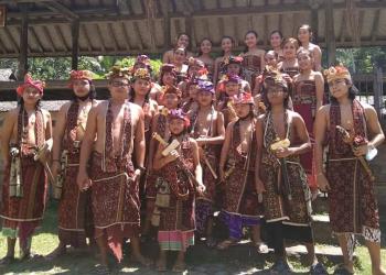 """""""Katinggal"""", Wisuda di Tanah Bali Aga, Tenganan Pegringsingan"""