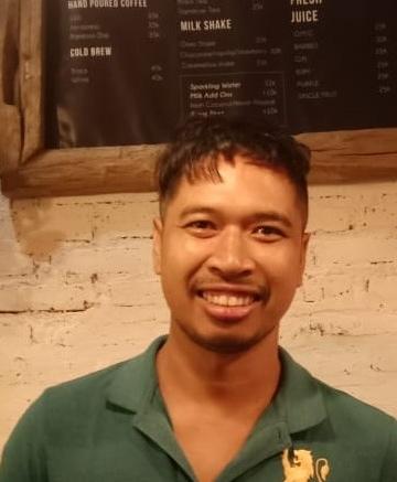 Wayan Eka Artana Putra, pengelola kedai kopi mini di Pecatu, Badung