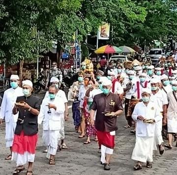 Suasana upacara adat di Desa Adat Buleleng