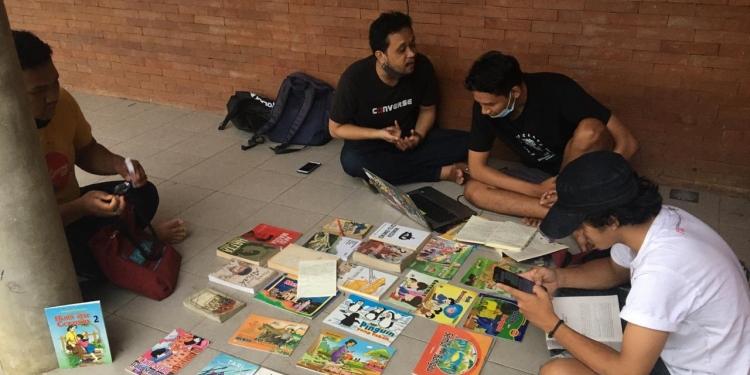 Komunitas Narmada Bali ngelapak di area Youth Park, Taman Kota Denpasar