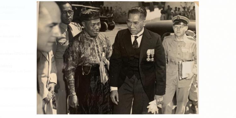 Tjokorda Gde Rake Sukawati {foto dari penulis diambil dari sumber-sumber sejarah]