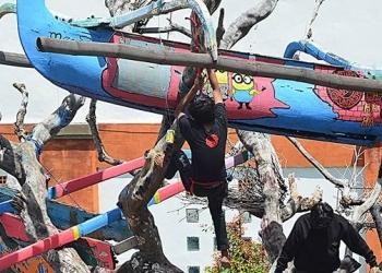 Foto ilustrasi: Pameran instalasi di atas pohon || Foto Mursal Buyung