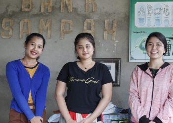 Senyum Manis 3 Perempuan Bank   Eh, Bukan Bank Umum, Tapi Bank Sampah