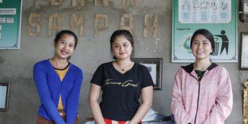 Senyum Manis 3 Perempuan Bank | Eh, Bukan Bank Umum, Tapi Bank Sampah